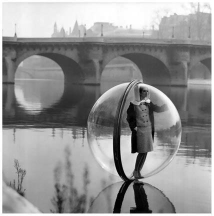Sokolsky_Bubble.OnTheSeine